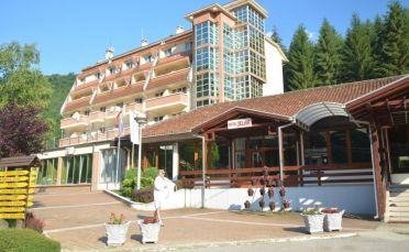 СПА почивка в Луковска баня - хотел Йелак
